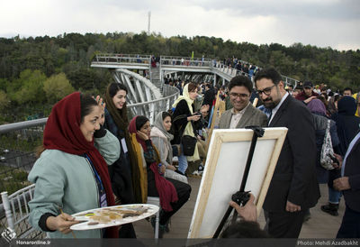 Tehran's Tabiat Pedestrian Bridge hosts Citizen Artist Festival