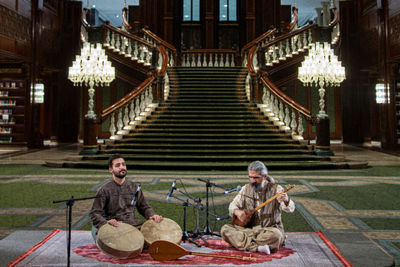 The Online performance of music groups from Kermanshah and Lorestan regions in the Grand Bazaar of Iran