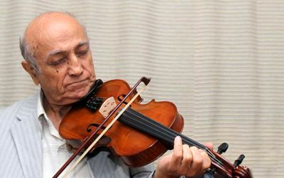 Homayoun Khorram; Iranian music's pal/ The musical instrument is a means for expressing the feelings