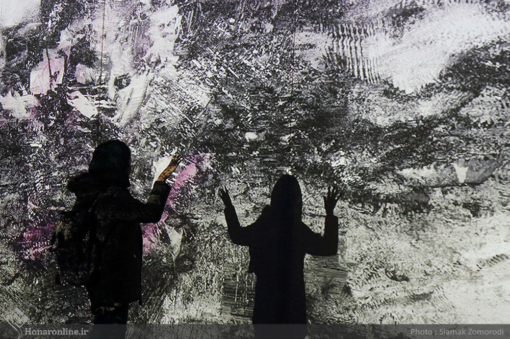 Voice, sound and image installation art with taste of mathematic