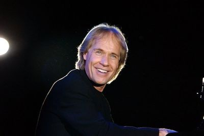 French pianist Richard Clayderman announces shows in Tehran