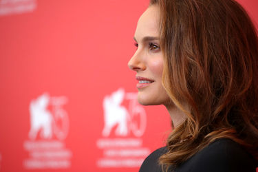 09999 Natalie Portman attends _Vox Lux_ photocall during the 75th Venice Film Festival